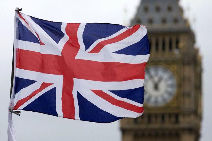 Flaggen / Flags - Union Jack ~ Big Ben - London, Großbritannien - England - Vereinigtes Königreich / Great Britain - United Kingdom