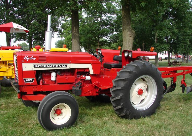 International 656 Tractor With Loader : Ih hydro utility with no moldboard plow red