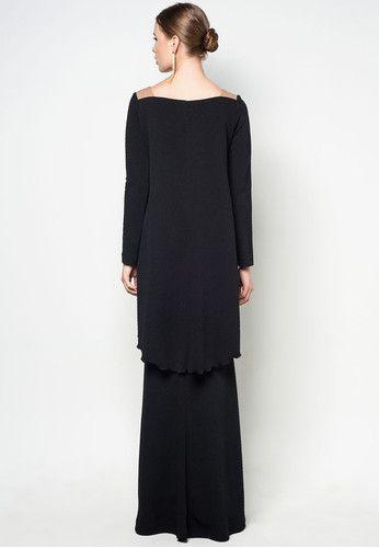 Hashimah Baju Kurung by Rizalman.  Such modest fit, ideas!