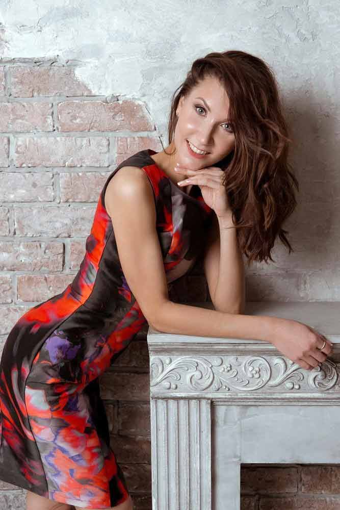 Beautiful Serious Russian Ukrainian Women - Meeting Russian Women for Dating & Marriage.