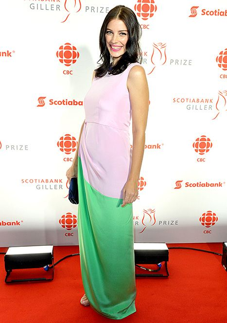 Jessica Pare debuted her baby bump in a Roksanda dress at the 21st Annual Scotiabank Giller Prize.