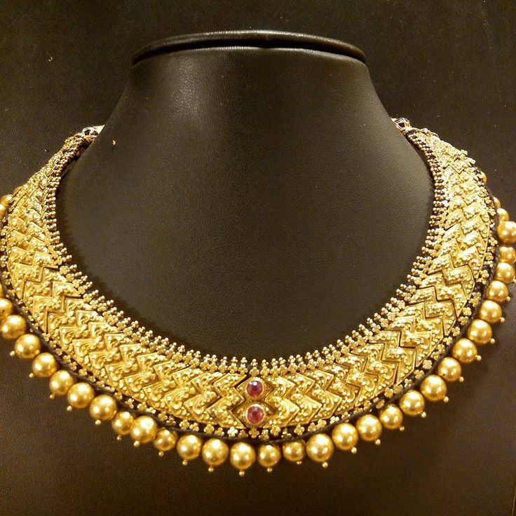 """Vintage necklace called Tussi from Karnataka. #showmeyournecklace #vintagejewelrycollection…"""""""