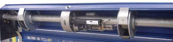 Varios modelos de motores para puertas enrollables a elegir según dimensiones y uso puerta.