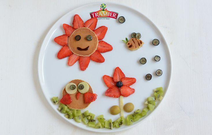 Une assiette Food Art faite par des enfants pour célébrer la Fête des mères.  C'est une assiette fraiche, gourmande, vitaminée et surtout artistique pour un petit-déjeuner ou un dessert. Votre maman sera aux anges devant cette petite merveille et elle se mettra à table avec grand plaisir! #mothersday
