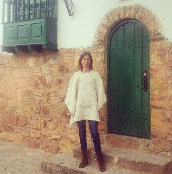 Hand-Loomed Poncho / 100 % Pure Wool / Natural / by CasaLunaCo