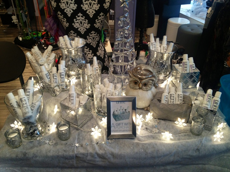 17 best images about holiday salon displays with unite for Salon xmas decorations