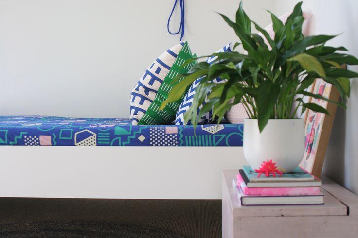 #homestyling by #placesandgraces #indoorplants #kipandco #kidsbedroom #pinkdinosaur