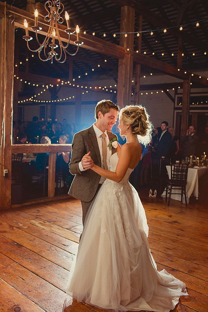 18 Breathtaking First Dance Wedding Shots ❤ See more: http://www.weddingforward.com/first-dance-wedding-shots/ #weddings #photography