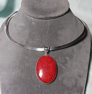 Sterling-Silver-Torque-Necklace-w-Red-Sponge-Coral-Pendant-25-2-grams