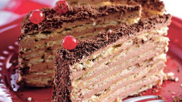"""Simplu la prima vedere, acest desert armenesc este ceva mai mult decât gust, e artă. Foarte ușor de preparat, tortul """"Micado"""", va demonstra încă o dată că bucătăria armenească este una deosebită. Cu siguranță va fi un răsfăț delicios pentru musafirii sau familia dumneavoastră. Echipa Bucătarul.tv vă dorește poftă bună alături de cei dragi! …"""