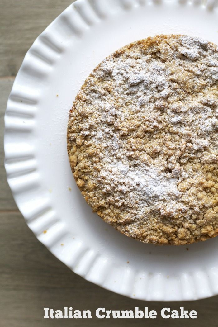 A delicious Italian apple crumble cake that is perfect to enjoy for breakfast or an afternoon break with a hot cup of coffee.