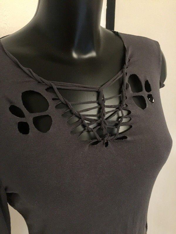 Top cutting gris  Promod ! Taille 40 / 12 / L  à seulement 8.00 €. Par ici : http://www.vinted.fr/mode-femmes/hauts-and-t-shirts-crop-tops/36125634-top-cutting-gris.