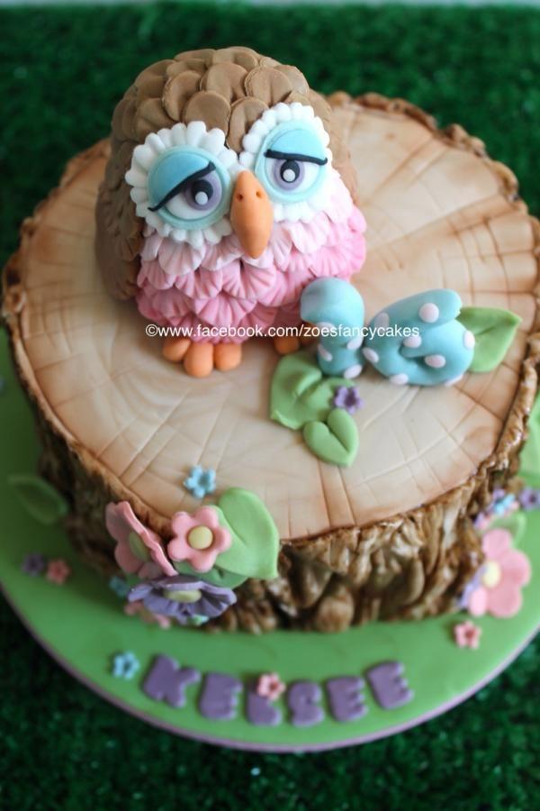 little owl cake and tree bark tutorial - https://www.youtube.com/watch?v=pqRDMSs3Ae4&list=UU1z-0SeloNm_6heRY1L4aCA