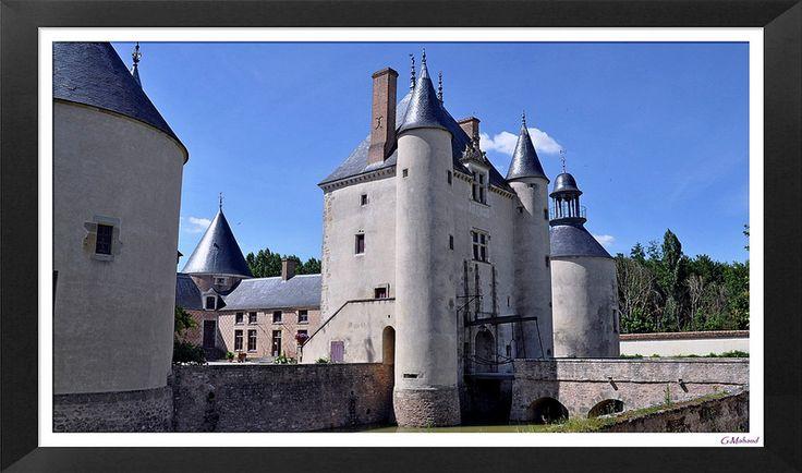 """Château de Chamerolles - """"Le châtelet d'entrée"""" . Chilleurs-aux-Bois. Centre"""