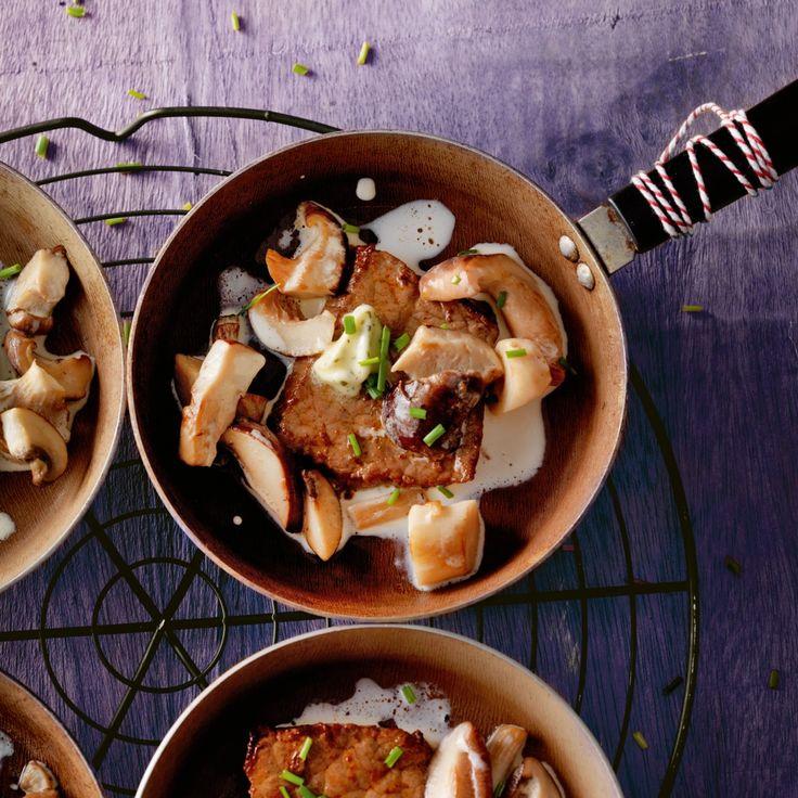 Biefstuk met paddenstoelen en bieslook