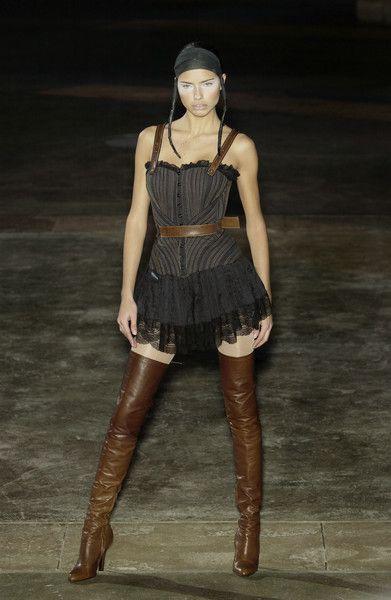 Alexander McQueen at Paris Fashion Week Fall 2002 ...