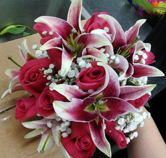 wedding bouquets with stargazer lilies and roses 191 best images about stargazer wedding 8544