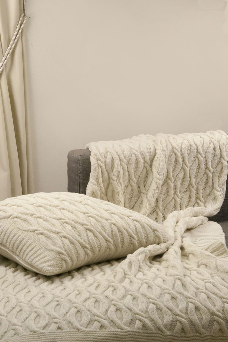 Merino wool blanket and pilow. Made from 100 % Merino wool.  Soft luxury merino wool blanket. this blanket is lightweight, warm and pleasant to the skin. Very soft, pure, natural and beautiful.