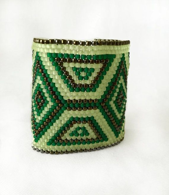 Green and bronze peyote cuff
