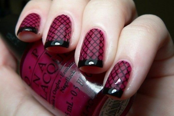 Halloween nail art... visit www.beautysweetspot.com for more chic ideas!