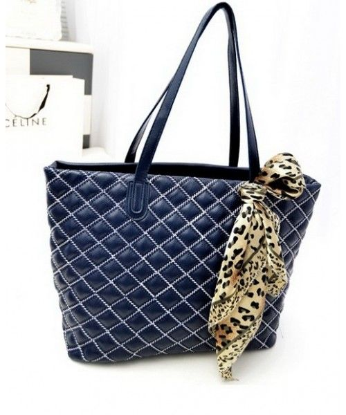 Tas Import BJ4467-DarkBlue Tas Import,BJ4467-DarkBlue Merek Berkualitas OEM ~ 100% IMPORT HIGH GRADE  Type : Fashion-Bags Brand : OEM  # Description : (With Scarf) Material PU Leather Bottom Width 25 Cm Height 33 Cm Thickness 10 Cm Weight 0.78 kg             ..