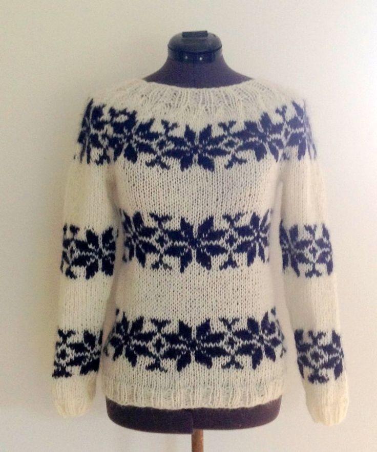 Sarah Lund sweater i råhvid med mørkeblå stjerner