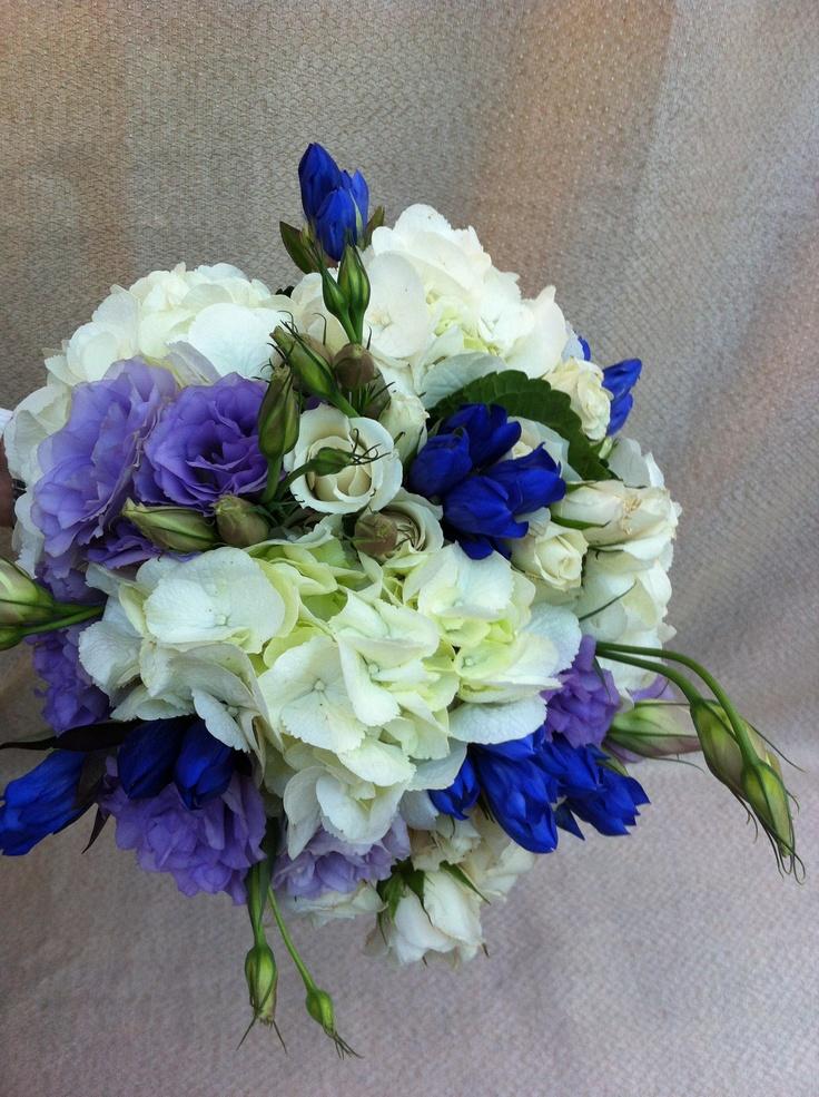 Florería Los Girasoles Ramo surtido blanco y azul