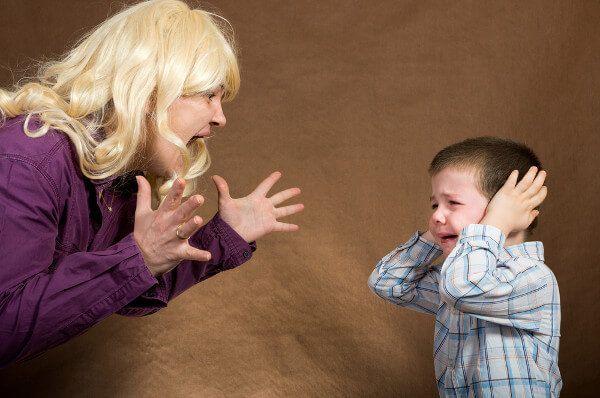 No grites a tu hijo, eso no contribuye a su educación. Según una investigación realizada por la Universidad de Pittsburgh, sus consecuencias son nefastas.
