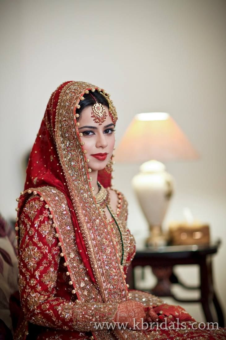 Just another Gorgeous Pakistani Bride!!!!! only Unique to PAKISTAN.