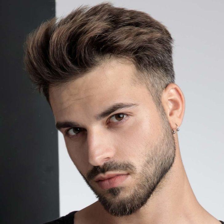 Capelli Corti Uomo Tagli 2020 In 2020 Men Hair Color Wavy Hair Men Men Haircut Styles
