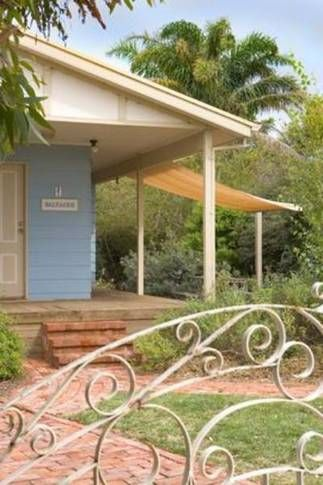 Saltaire Blue cottage - a coastal, a Mclaren Vale Cottage   Stayz