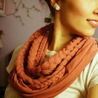 Love this braided scarf! #diy: Scarf Tutorial, Braided Scarf, Craft, T Shirt, Infinity Scarf, Scarfs, Tshirt, Diy Scarf