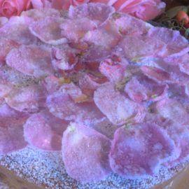 Torta  ciliegie e rose