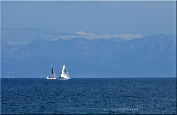 Seascape- in the background Sierra Nevada by Aili Alaiso