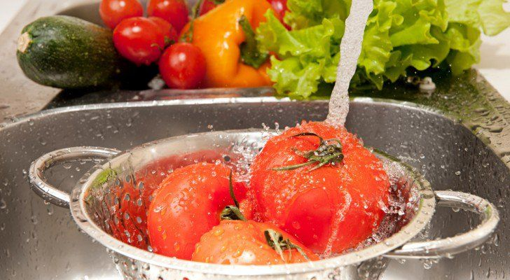 How To Remove Pesticides From Non-Organically Grown Produce (Important) | The Galactic Free Press