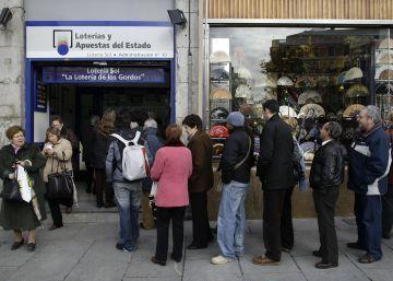 La Lotería de Navidad se adelanta a Rajoy y agota el 155