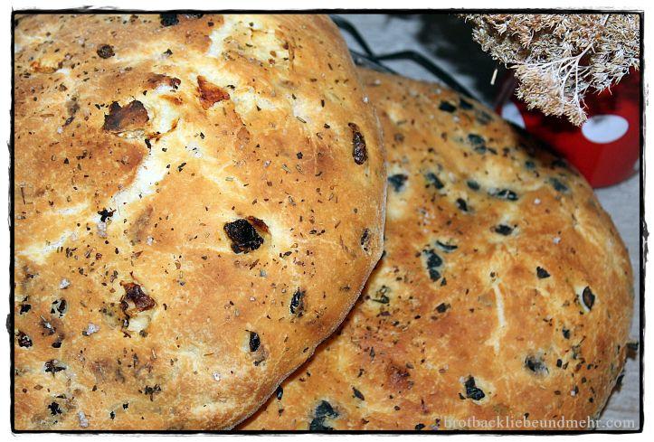 Tomaten und Oliven Focaccia IMG_0845