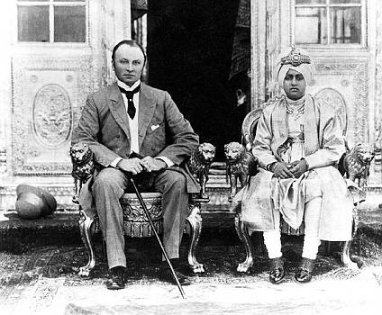 The British Raj, pre 1907. Two rulers: Lord Curzon, viceroy of India and the Maharajah of Patiala