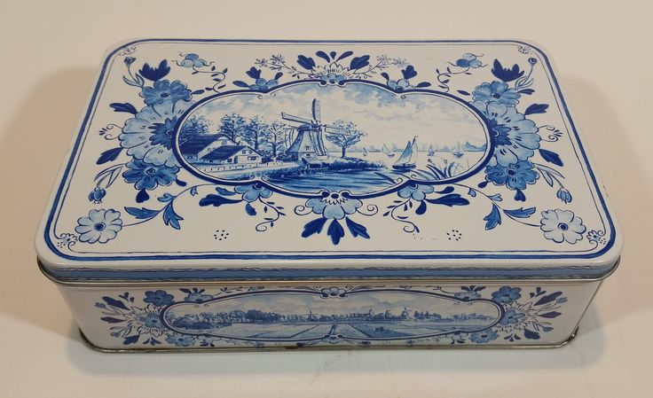 1960s Hellema Hallum Holland Biscuits Tin with Delft Style Scenery https://treasurevalleyantiques.com/products/1960s-hellema-hallum-holland-biscuits-tin-with-delft-style-scenery #Sweets #VintageTins #Dutch #Windmills #Holland