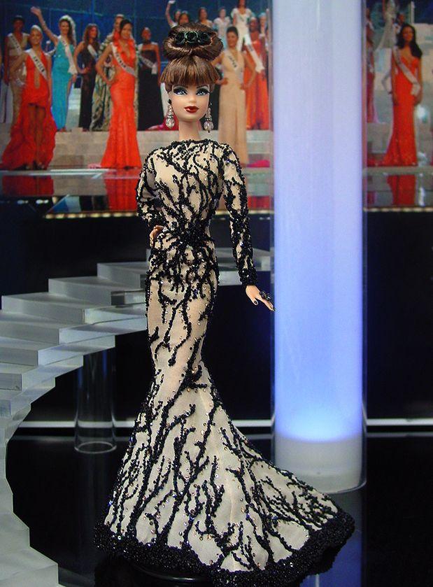 Miss Pennsylvania 2013 - Desde el estado trapezoidal llega esta belleza clásica y elegante de alta costura en un vestido de noche inspirados por el diseñador libanés Zuhair Murad.