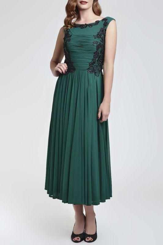 зеленое трикотажное платье с юбкой длины макси, без рукавов
