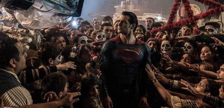 Na última semana, foi anunciado que a Regal Theaters estava oferecendo, pelo valor de 100 dólares, o Ingresso Ultimate para Batman Vs Superman: A Origem da Justiça, que dá aos compradores o direito de assistir ao filme quantas vezes e no formato que quiserem, uma vez ao dia, enquanto o longaestiver em cartaz. Ontem, os …