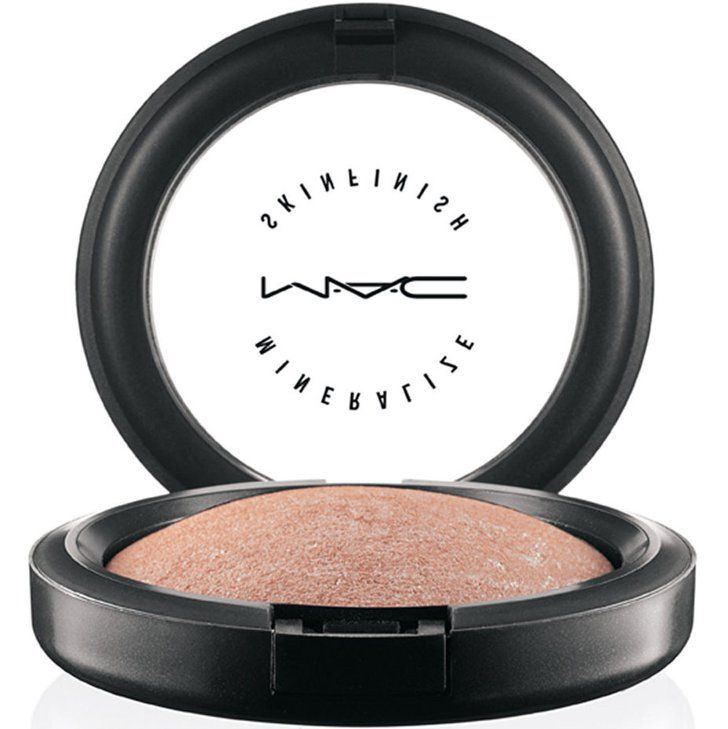 Pin for Later: The 14 Products Every Diehard MAC Junkie Should Own Mineralize Skinfinish in Soft and Gentle