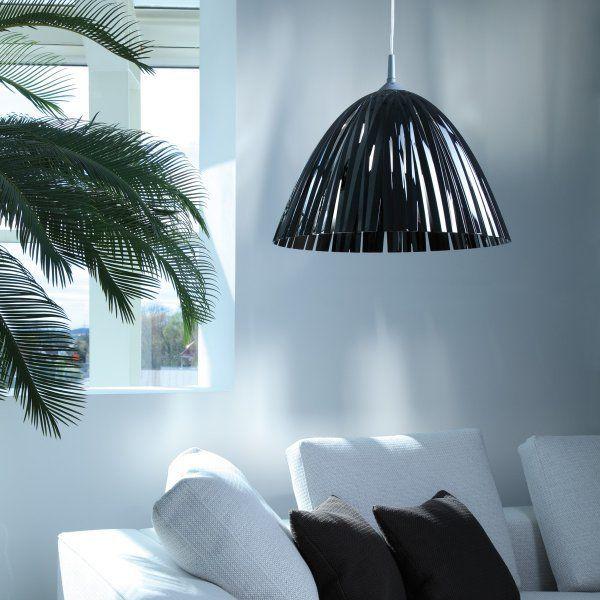 Koziol Reed Tuff taklampa tillverkad i 100% återvinningsbar plast.