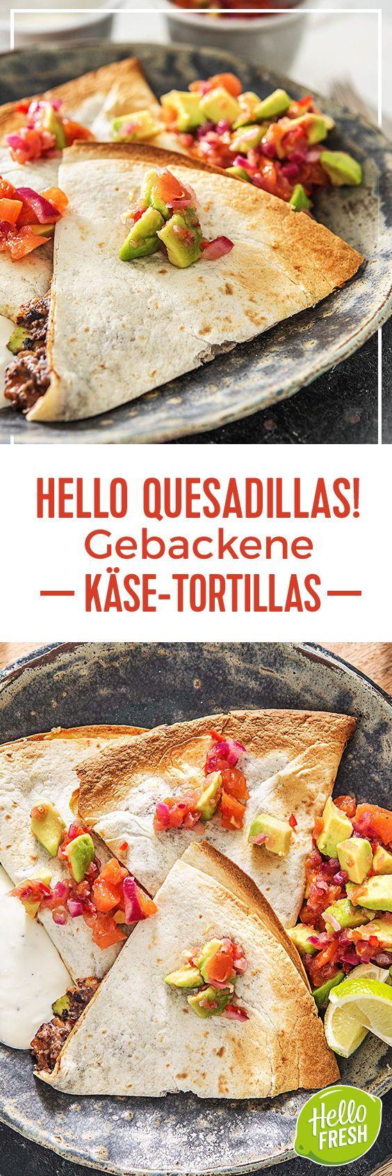 Step by Step Rezept: Hello Quesadillas! Gebackene Käse-Tortillas mit schwarzen Bohnen und Tomaten-Avocado-Salsa  Kochen / Rezept / DIY / HelloFresh / Küche / Lecker / Gesund / Einfach / Kochbox / Ernährung / Zutaten / Lebensmittel / Texmex / 30 Minuten / mexikanisch / veggie / vegetarisch / tortilla  #hellofreshde #blog #kochen #küche #gesund #lecker #rezept #diy #gesund #einfach #kochbox #ernährung #lebensmittel #zutaten #quesadillas #tortillas #veggie #vegetarisch
