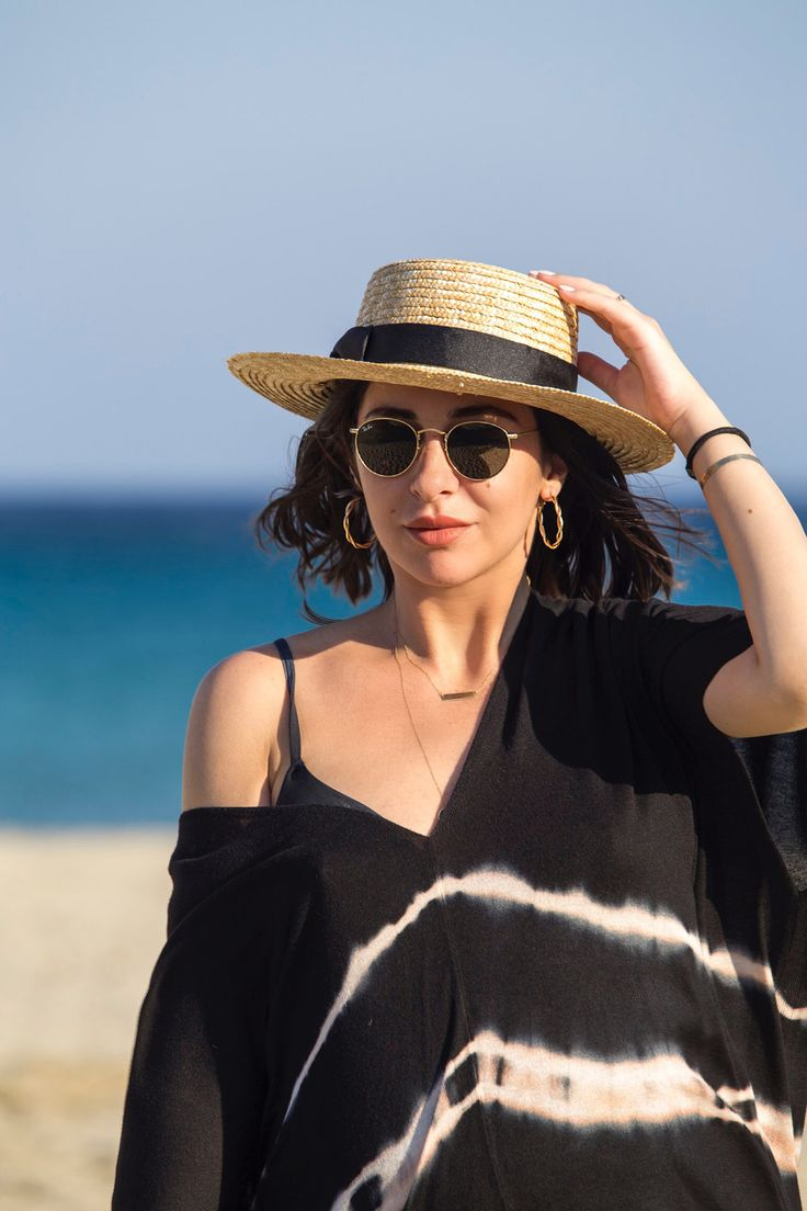 Straw Hat & No-makeup Makeup by Stella Asteria