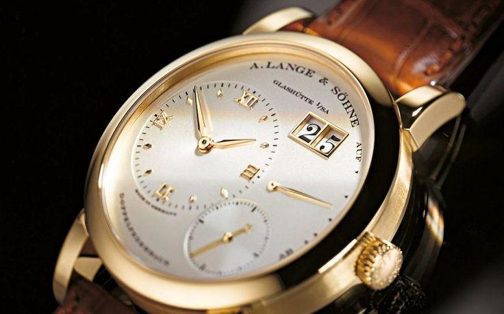 Темная красота: черные мужские часы