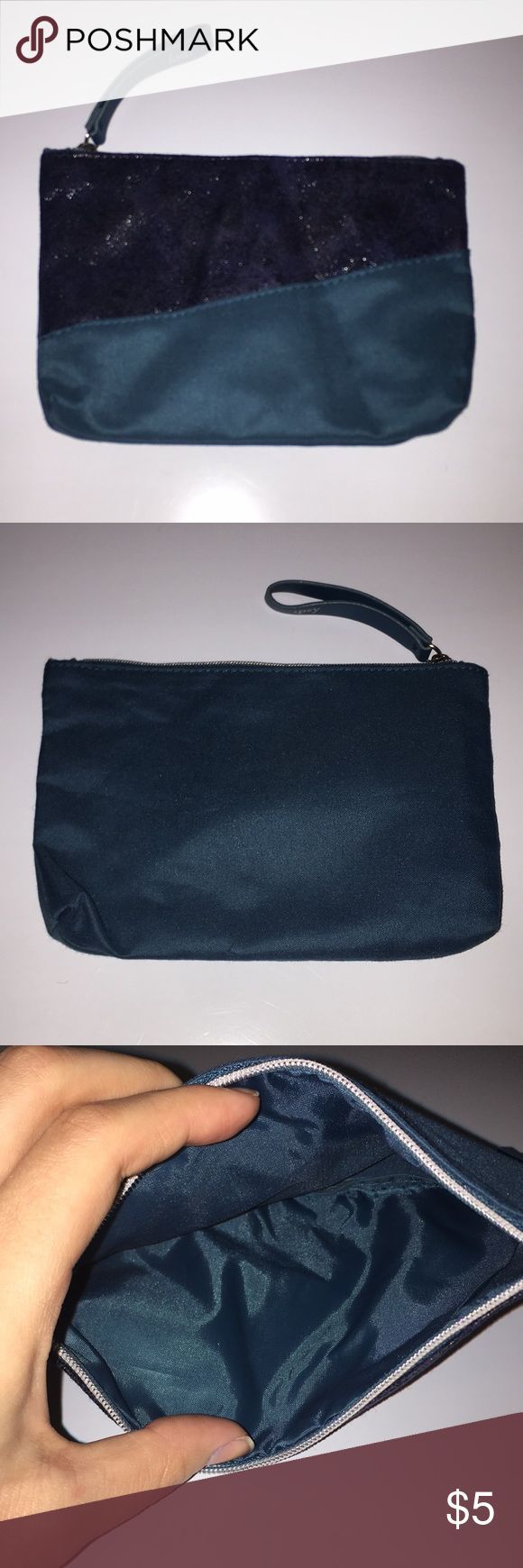 Ipsy Makeup Bag Soft Blue Ipsy Makeup Bag ipsy Bags Cosmetic Bags & Cases