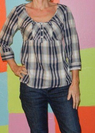 À vendre sur #vintedfrance ! http://www.vinted.fr/mode-femmes/blouses-and-chemises/29093900-blouse-chemise-carreaux-rayure-decolte-coboytm-36-38-springfield-vintageretrochicromantique