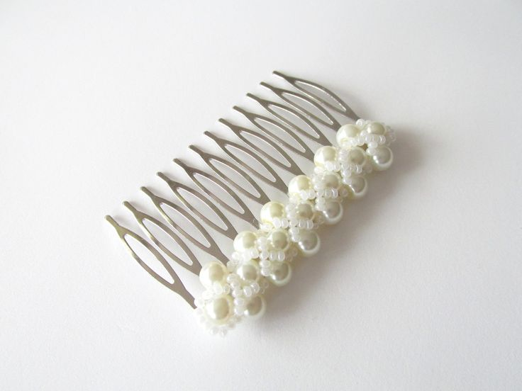 Hair comb with pearls Pieptene par cu perle Can be ordered here: https://www.facebook.com/handmadebutic